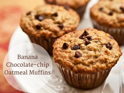 Banana Choco-Chip Oatmeal Muffins
